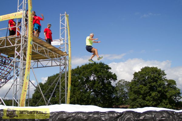 Freefall at obstacle courses