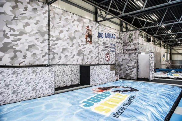 Check out the BigAirBag FOAM PIT Skillz has!