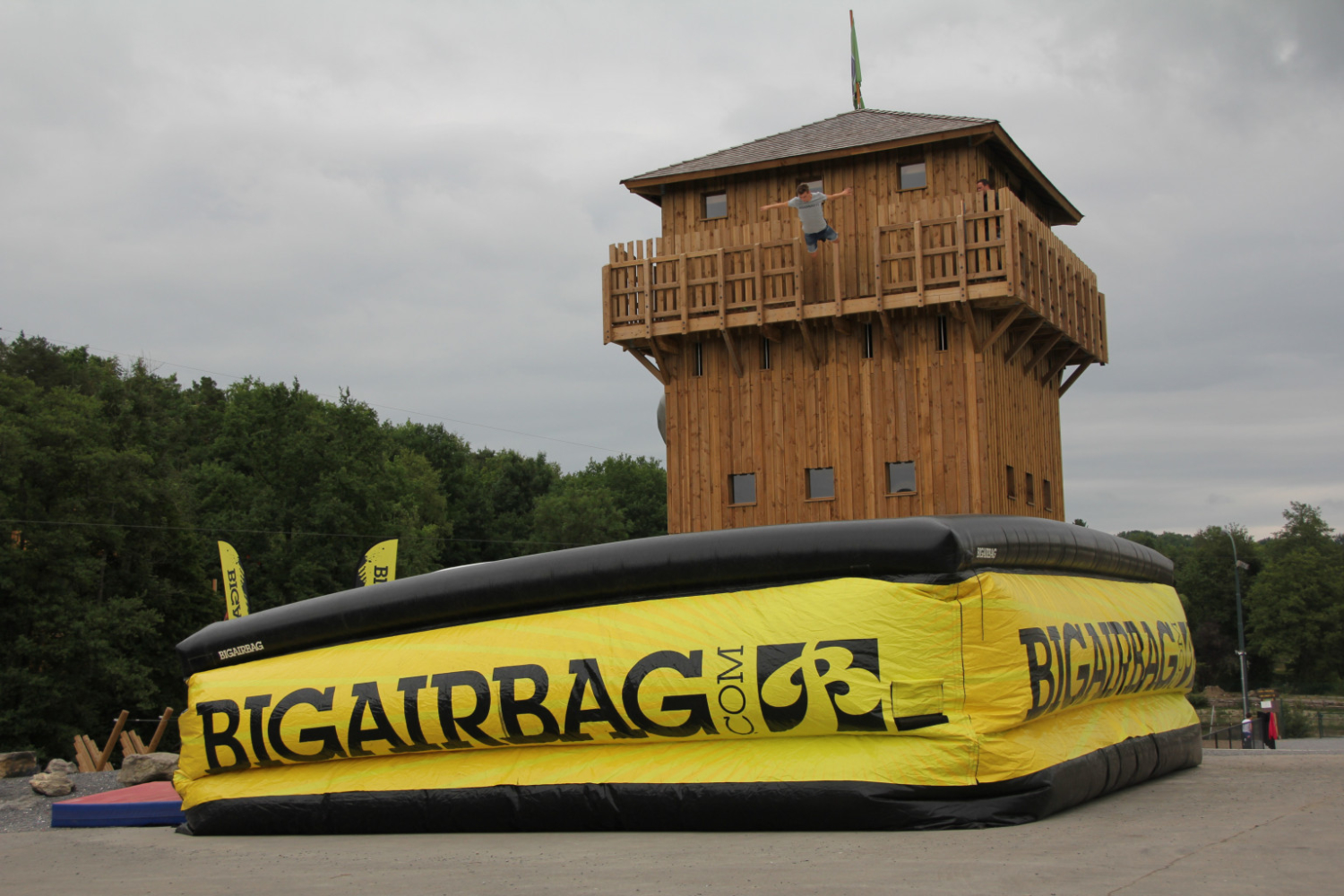 bigairbag-action-tower-for-parks
